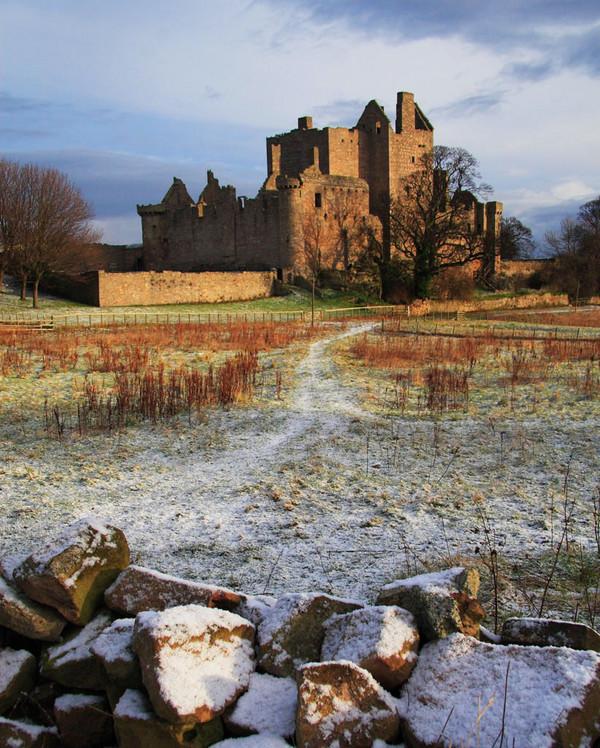 Craigmillar_castle_1256_jpg_600x