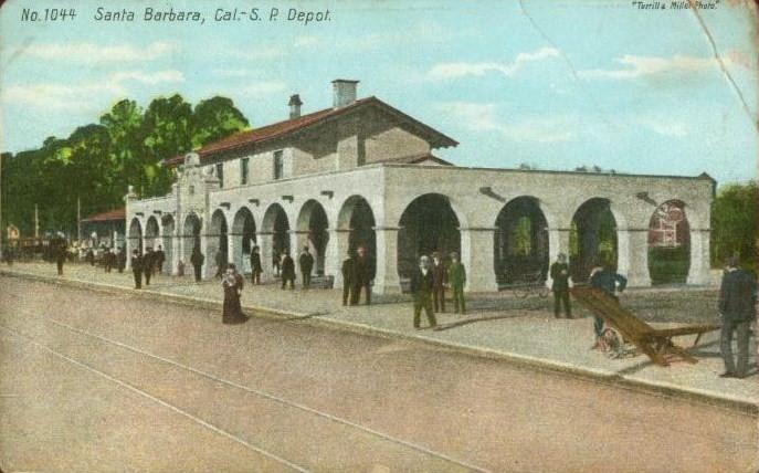 PostcardSantaBarbaraCARailroadStation1910